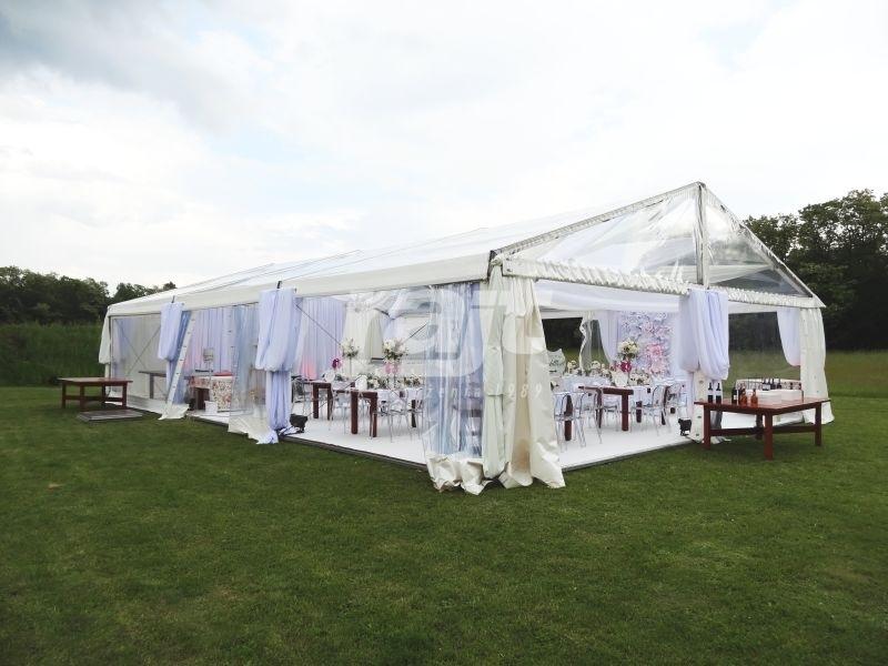 Pięknie udekorowana hala namiotowa TYP 10 m na wesele plenerowe