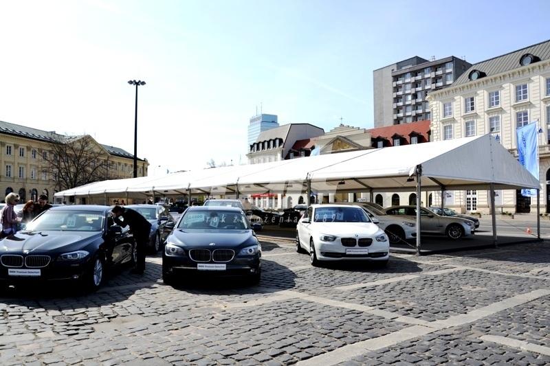Nnamiot wystawowy podczas prezentacji samochodów marki BMW